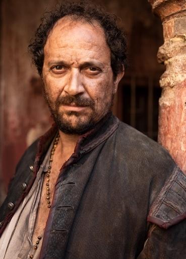 Luis Callejo interpreta a Conrado en La Peste, la mano de laGarduña