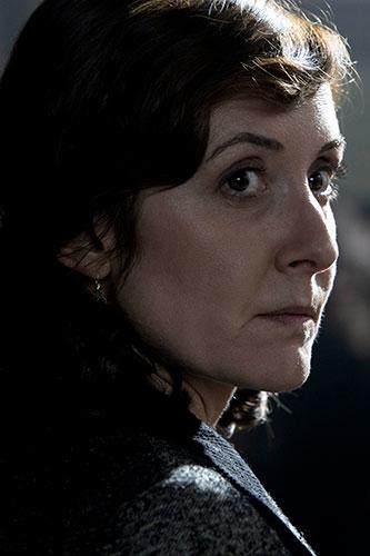 Nathalie Poza es Ana Carrasco en 'Mientras dure la guerra' de Movistar+