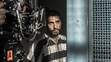 Miguel Ángel Silvestre en el making of de 'En el corredor de la muerte' de Movistar+