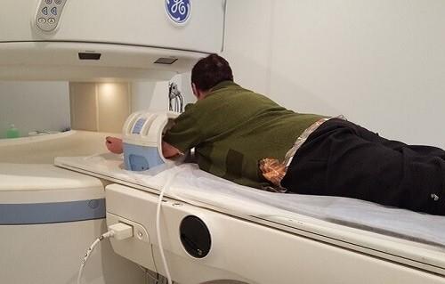 МРТ локтевого сустава на томографе открытого типа