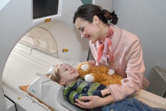 Процедура МРТ головы ребенку