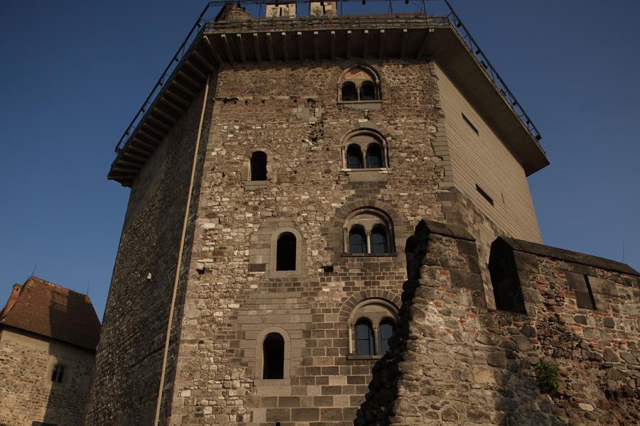 http://www.muemlekem.hu/images/magazin/20111225varak1/03.jpg