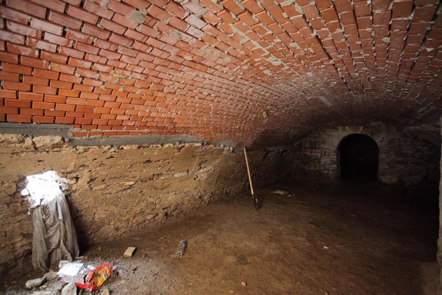 http://www.muemlekem.hu/images/magazin/20120801gyongyostempl/03.jpg