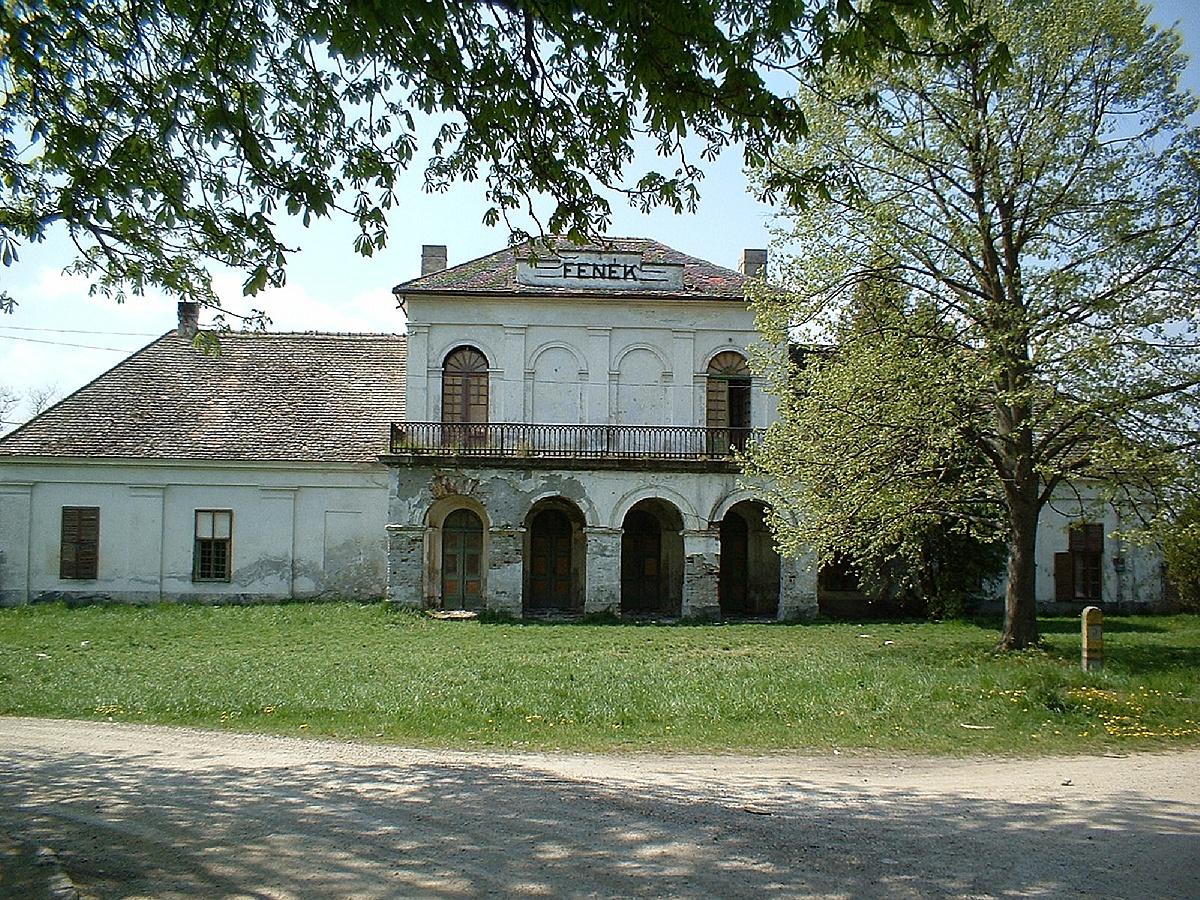 Festetics-kúria