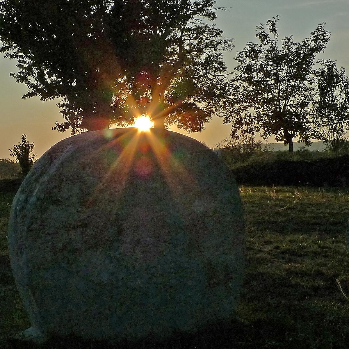 Napnyugta a temetőben