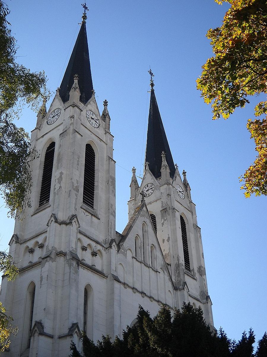 A Rókusi templom tornyai