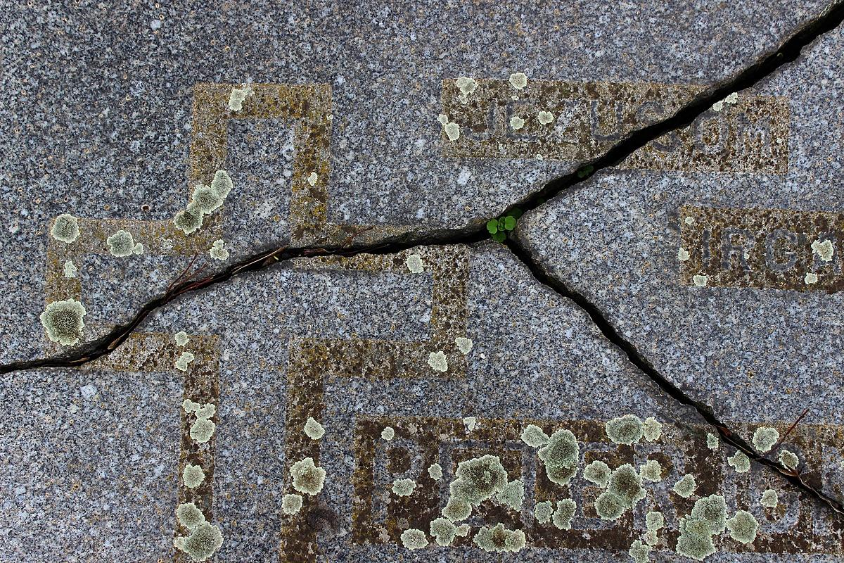 Fekvő kövek
