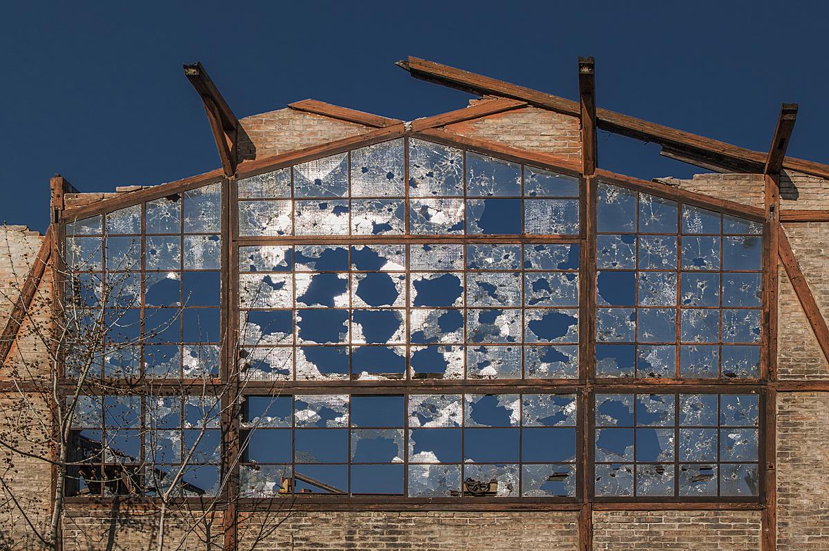 Fényre bomló katedrálüveg
