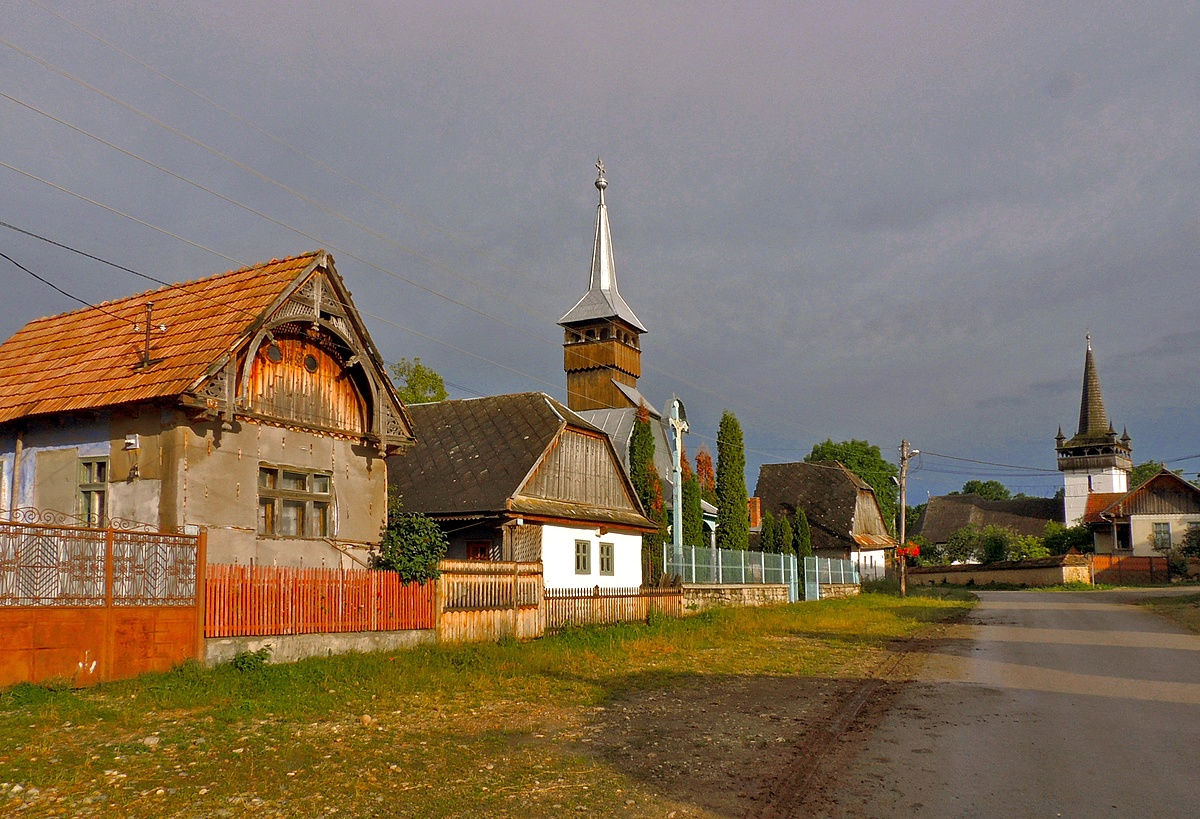 Esteledik a faluban