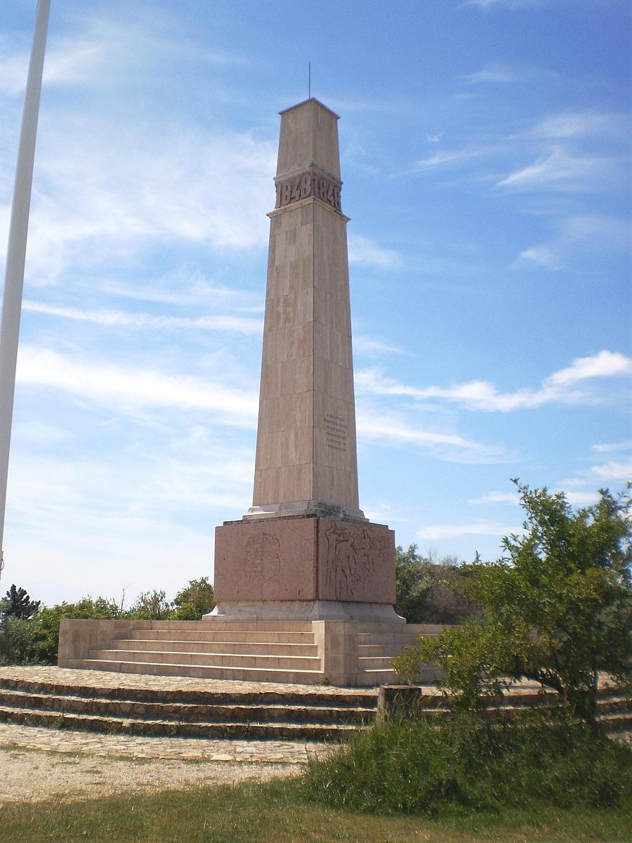 A büszke és magányos obeliszk