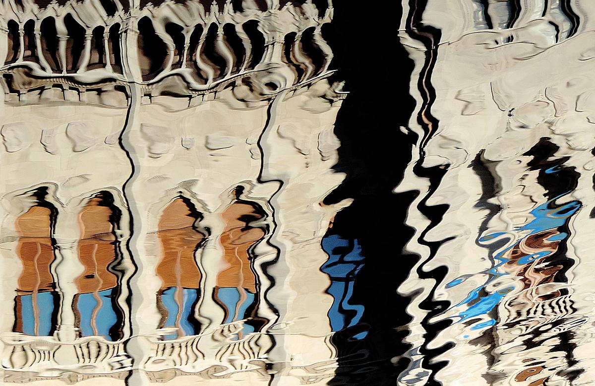 Parlamenti tükröm-tükröm