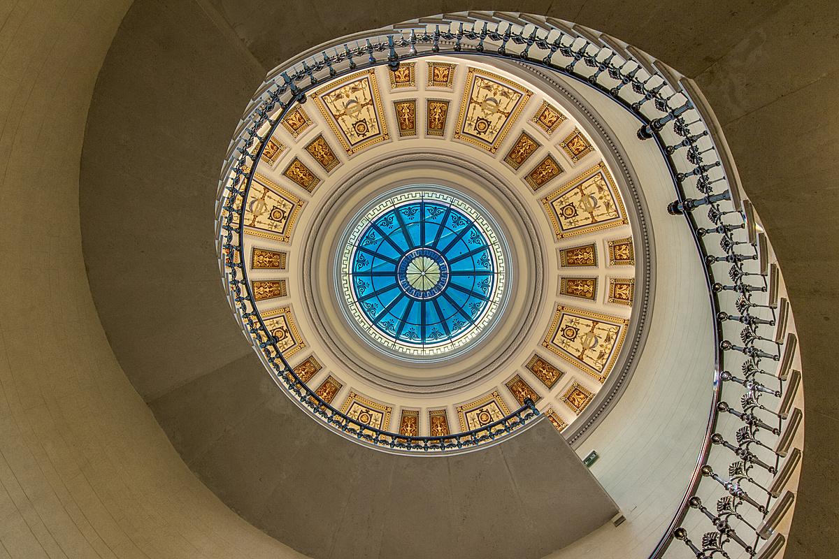 Lépcsőházi pompa