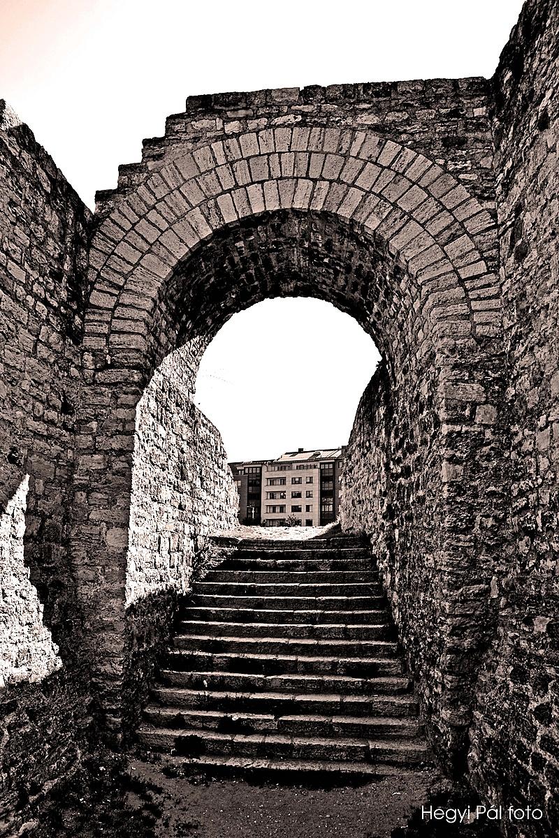 Amfiteátrum 2