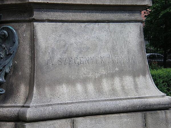 Tordai Szaniszló Ferenc szobra