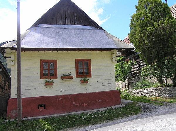 Vlkolínec falu népi építészeti együttese