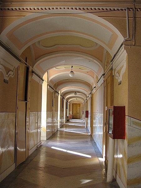 Premontrei rendház kastélya