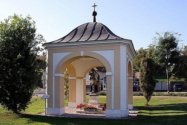 Nepomuki Szent János kápolnája