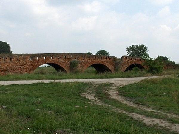 Szárazföldi híd
