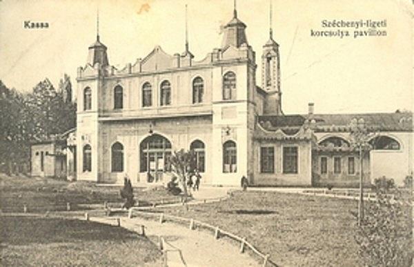 Kassai korcsolyázó és tenisz egyesület pavilonja