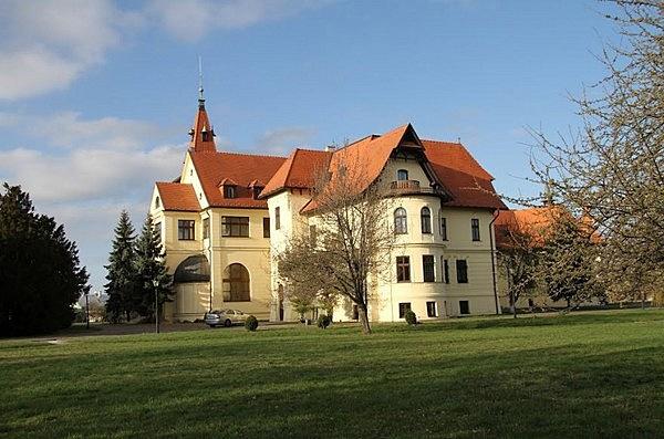Csáky-kastély