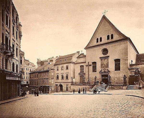 Kapucinus kolostor és templom