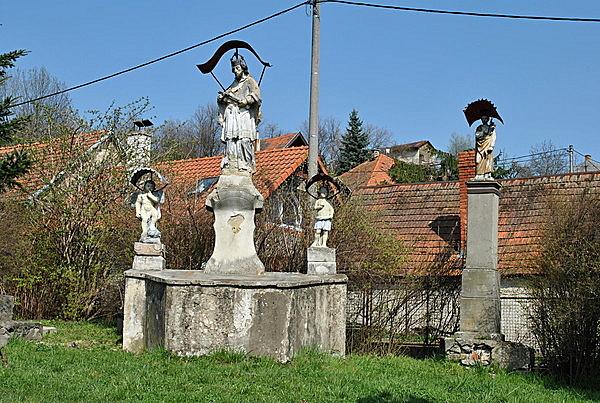 Nepomuki Szent János szoborcsoport