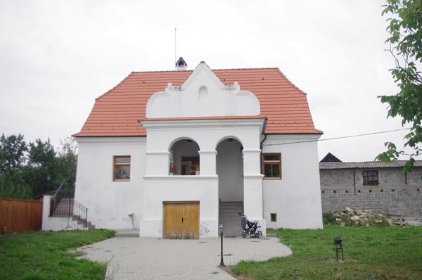 Antos-kúria