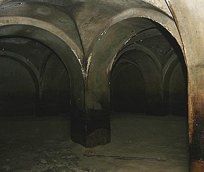 http://www.muemlekem.hu/images/magazin/20090428ciszterna/ciszternavagott.jpg