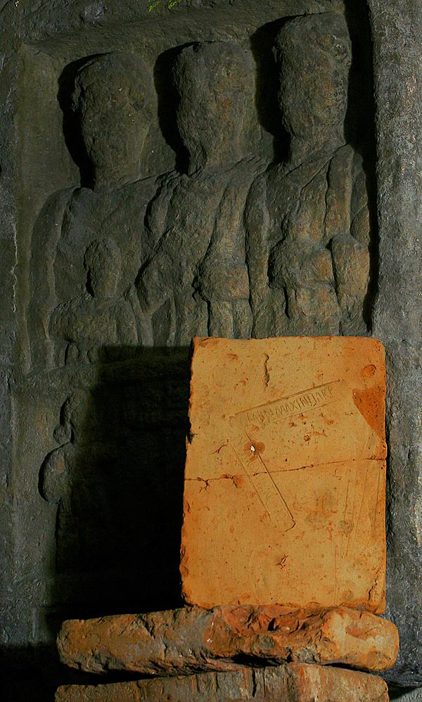 http://www.muemlekem.hu/images/magazin/20090705godierod1/03.jpg