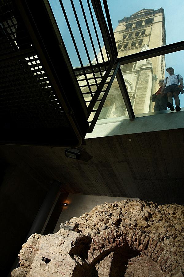 http://www.muemlekem.hu/images/magazin/20090812jegybevetel/001.jpg