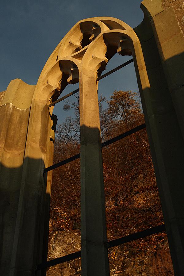 http://www.muemlekem.hu/images/magazin/20091120visegrad/003.jpg
