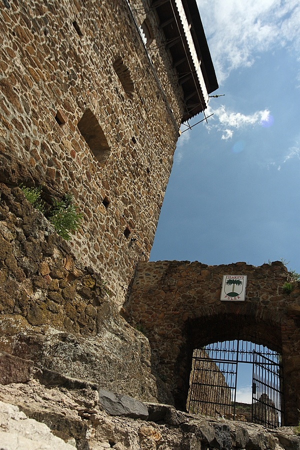 http://www.muemlekem.hu/images/magazin/20091222varklaszterfulek/fulek2.JPG