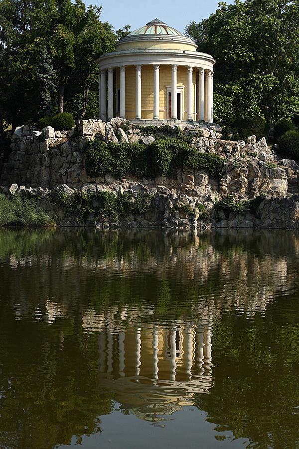 http://www.muemlekem.hu/images/magazin/20110127kismartonfrakno/02.jpg