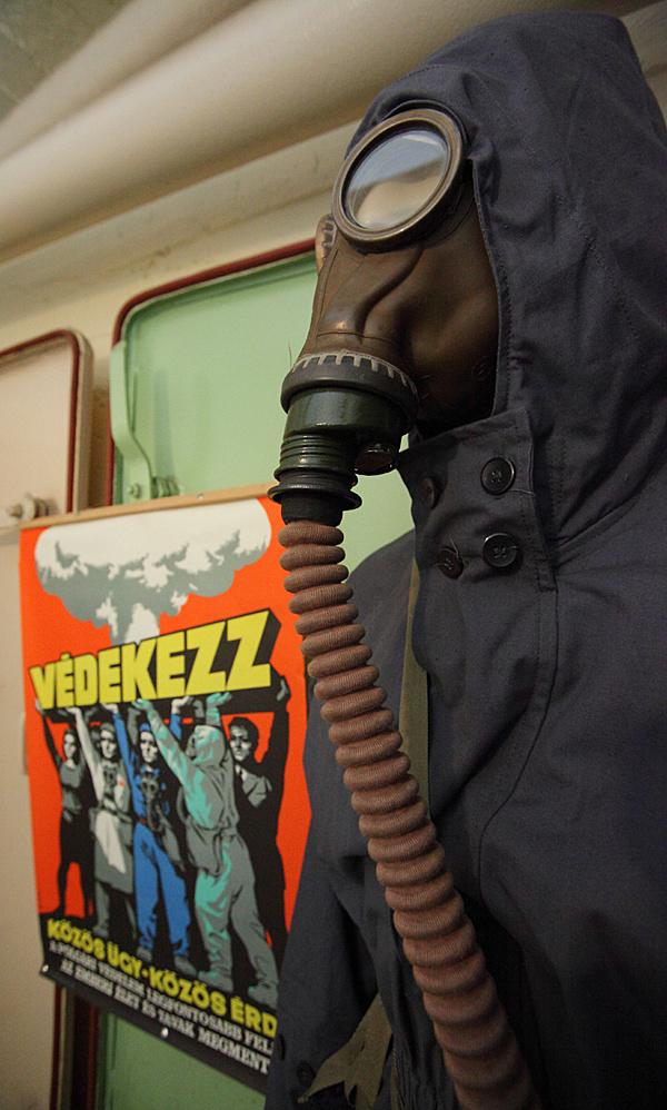 http://www.muemlekem.hu/images/magazin/20110307csepelbunker/002.jpg