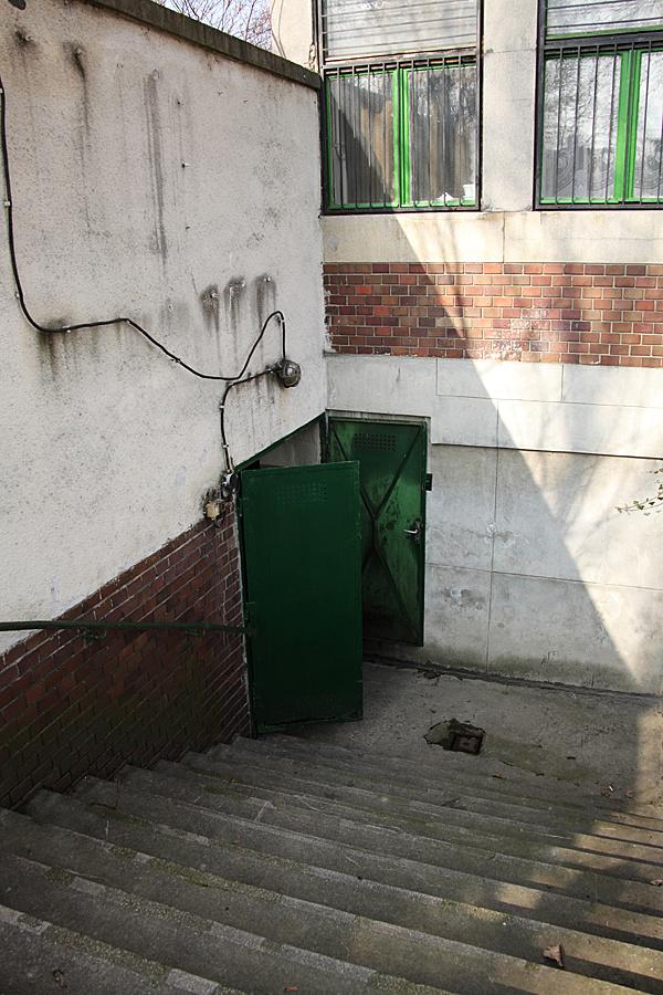http://www.muemlekem.hu/images/magazin/20110307csepelbunker/013.jpg