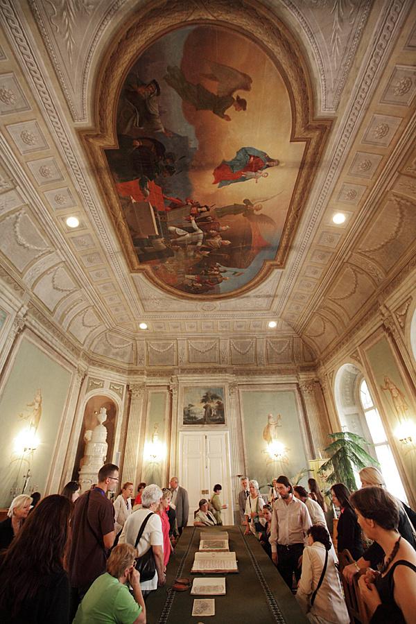 http://www.muemlekem.hu/images/magazin/20110917konmegnyito/02.jpg