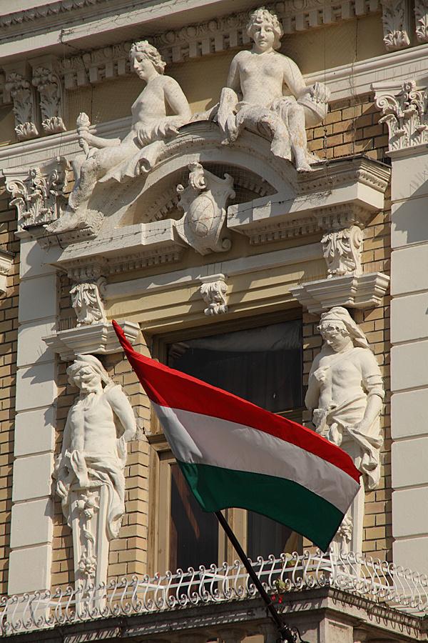 http://www.muemlekem.hu/images/magazin/20111016kohbaja/02.jpg