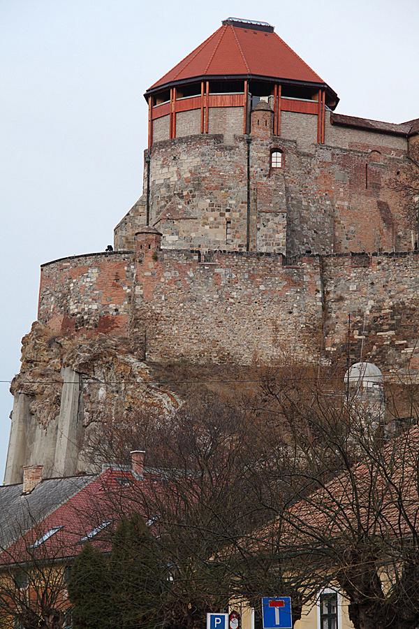 http://www.muemlekem.hu/images/magazin/20111225varak1/02.jpg