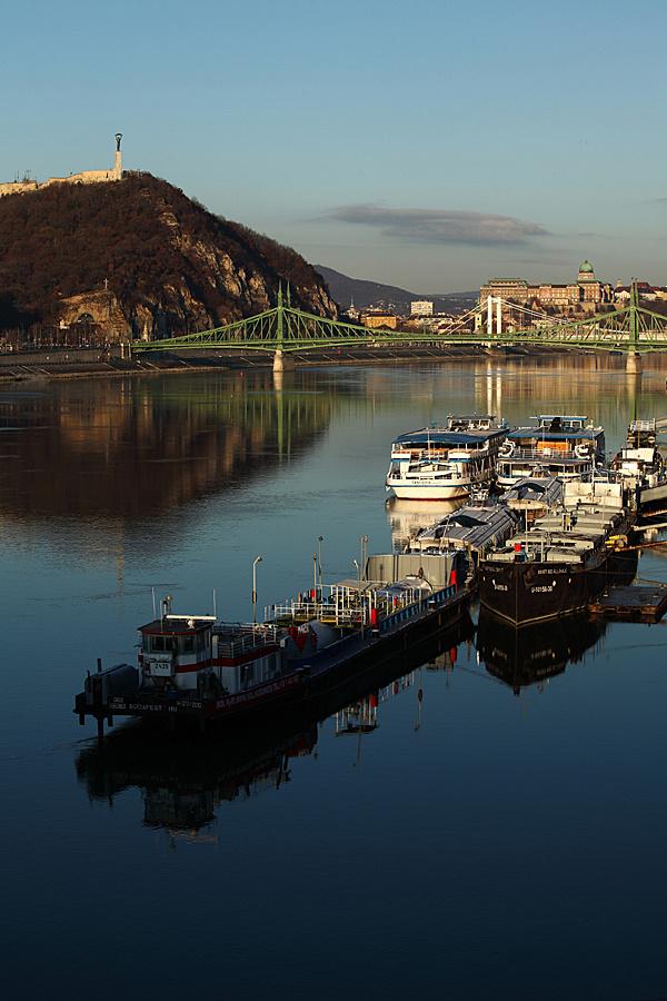 http://www.muemlekem.hu/images/magazin/20120126vilagorokseg/gellerthegyallo.jpg