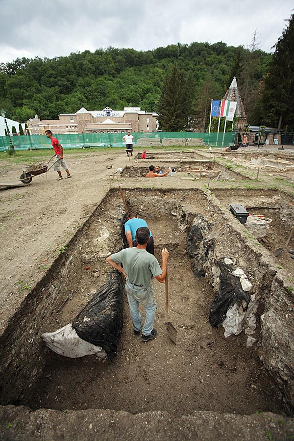 http://www.muemlekem.hu/images/magazin/20120621miskolctapolca/02.jpg