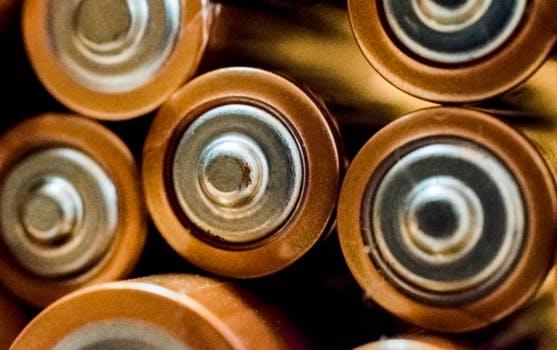 Rauchmelder benötigen Batterien, doch welche? (Symbolbild)