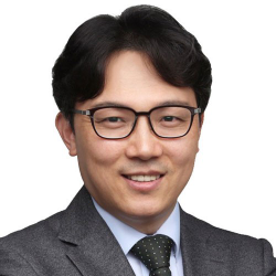 Dr. Park Sichan