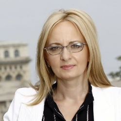 [Moderator] Laura Florea