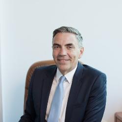 [Moderator] Dragoș  Anastasiu