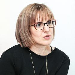 Dr. Diana  Ionescu