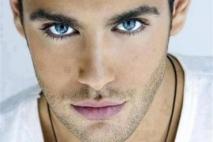 ליאור עיניים כחולות