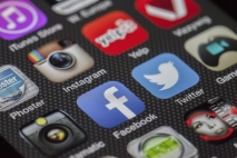 איך משפיעה המדיה החברתית על שיווק לעסקים קטנים ?