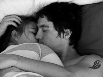 אחת כזו שתשן איתה בשקט בלילה