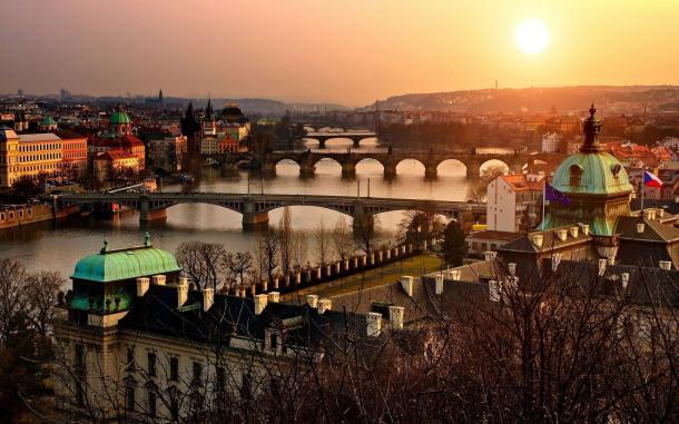 טיול בפראג | מדריכי טיולים בפראג בעברית | סיור מודרך בפראג בעברית