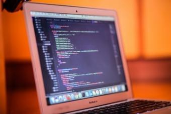 כתיבת קוד - מתחומי הליבה של ההייטק